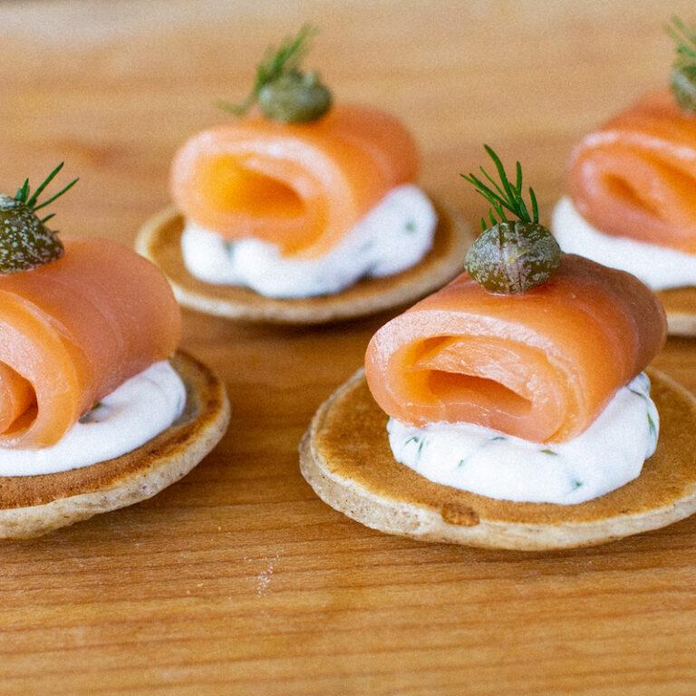 Traiteur-Boucherville-le-comptoir-blinis-saumon